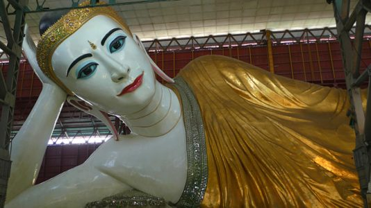 Giant Reclining Buddha in Yangon